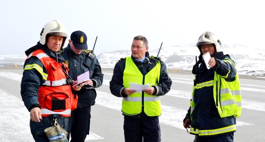 Indsatsledere ved mødested - fra højre Peter Lennert, Karl Jørgen Lennert, holdleder politi, Poul Leander - redigeret